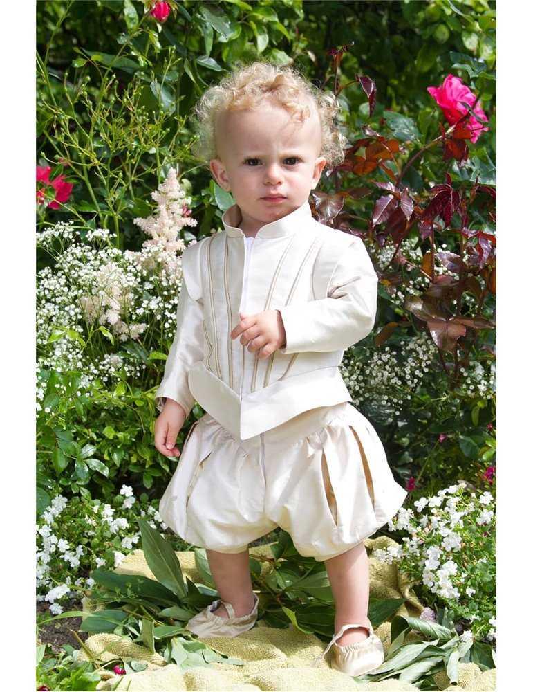 Dopklänning för pojkdop