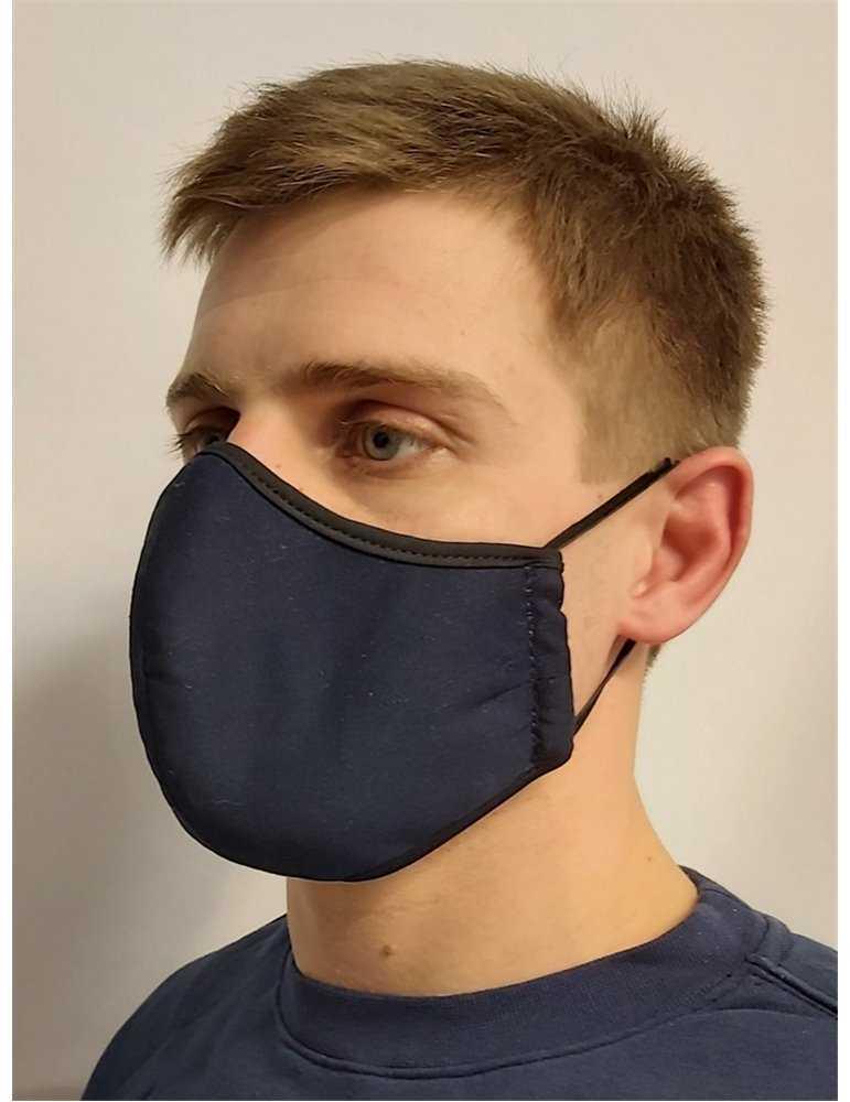 ortodox dopklädd pojke