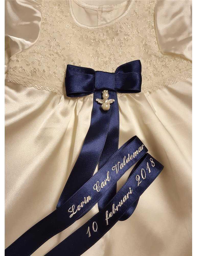 lång vacker linne dopklänning
