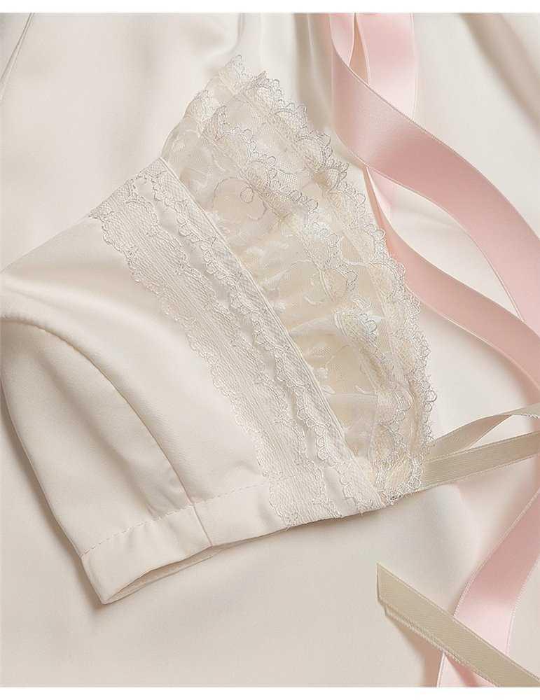 exklusiv dopklänning till söt flicka