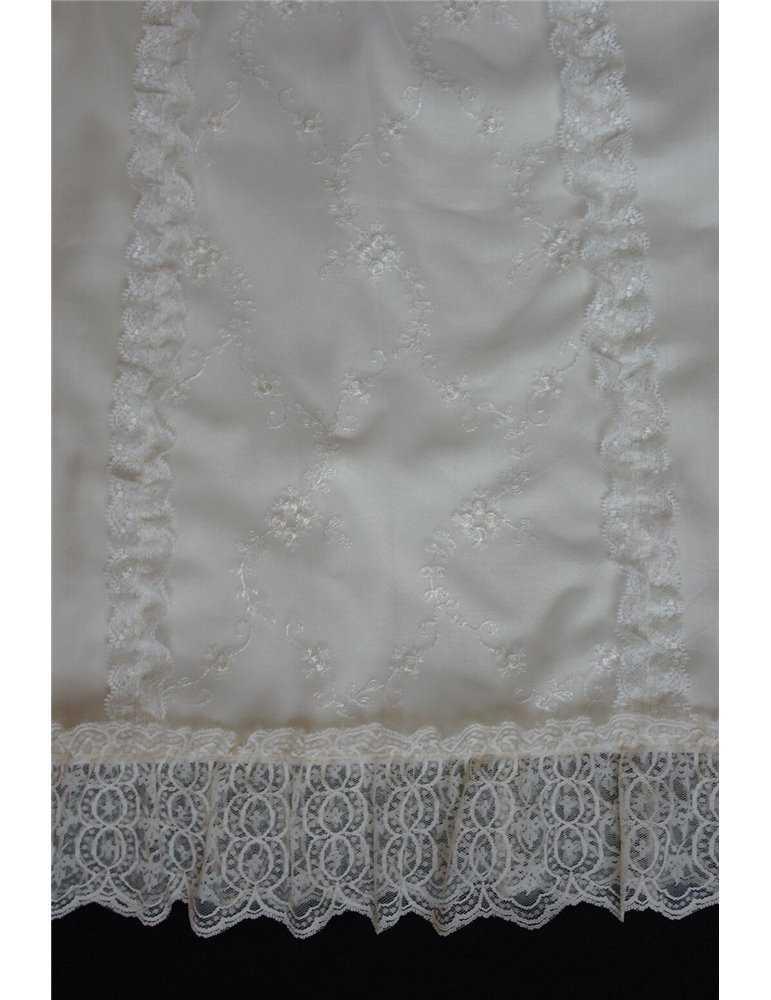Dopklänning med kort ärm