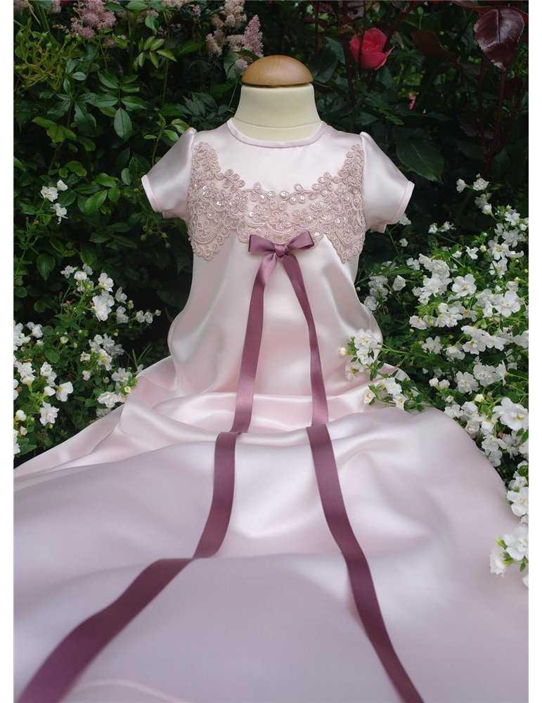 Dopklänning vit ljuv chiffong med brodyr