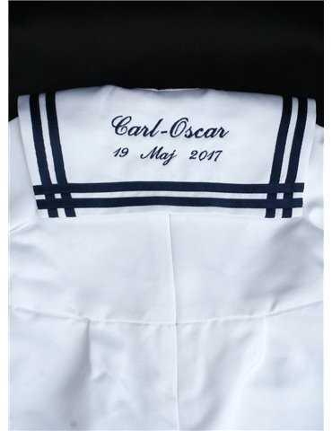 dopklädda tvillingar i vitt